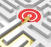 Doel in een labyrint royalty-vrije illustratie