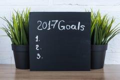 2017 doelstellingen tekst op een zwarte lijst Stock Foto