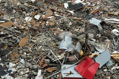Doen ineenstorten en vernietigde de bouw ruïnes van ramp stock foto's
