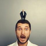 Doen schrikken mens met lachende werkgever royalty-vrije stock foto's