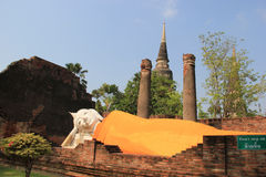 Doende leunen Boedha bij Watyaichaimongkol-Tempel in Ayudhaya, Thaila Royalty-vrije Stock Foto