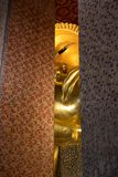 Doende leunen Boedha in Wat Pho stock afbeeldingen