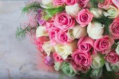 dof ανθοδεσμών κεντρικός γάμος τριαντάφυλλων σημείου λουλουδιών εστιακός χαμηλός στοκ φωτογραφίες