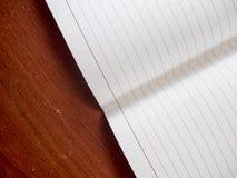 dof χαμηλός πίνακας σημειωματάριων Στοκ Φωτογραφίες