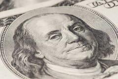dof benjamina Franklina ogniska dolarów oczu 100 blisko notatki płytki, Obrazy Stock