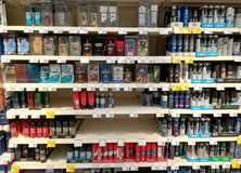 Dofter och deodoranter för män Fotografering för Bildbyråer