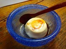 Dofu de Jimami, dessert doux de tofu sur l'île de Tokashiki dans l'Okinawa, Japon Photo stock