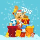 Dog i Santa Hat Holding Bell And 2018 undertecknar över bunten av designen för kortet för hälsningen för det lyckliga nya året fö Royaltyfria Bilder