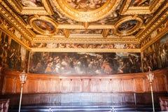 Doge ` s χρώμα Palazzo Ducale παλατιών στον τοίχο Στοκ Φωτογραφίες
