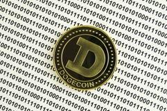 Dogecoin är en modern väg av utbytet, och denna crypto valuta är lämpligt hjälpmedel av betalning i de finansiella och rengörings Royaltyfria Foton
