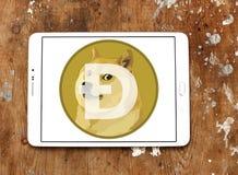 Dogecoin Cryptocurrency logo Royaltyfri Bild
