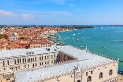 Doges slott och kust av Venedig, Italien fotografering för bildbyråer