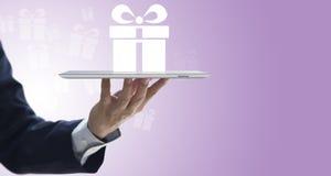 Dogodność prezenta online dostawa przez interneta fotografia stock