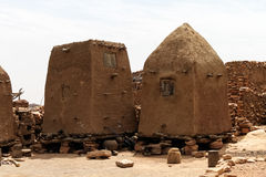 Dogon by i Mali, Västafrika Royaltyfria Bilder