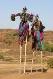 Dogon Tänzer auf Stelzen Stockbilder