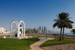 Doha, Κατάρ: Τα ψυχαγωγικά πάρκα είναι κοινά στο κεφάλαιο Στοκ Εικόνες