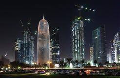 Doha городской на ноче, Катар Стоковое Изображение