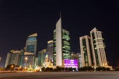 Doha городской на ноче, Катар Стоковые Изображения RF
