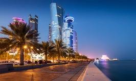 Doha Corniche i centrum miasta ulica Obraz Royalty Free