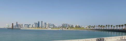 Doha miasta linia horyzontu od muzeum parka Fotografia Royalty Free