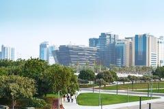 Doha miasto Katar, Styczeń, - 02, 2018: Zielony jawny park z trybem Zdjęcie Royalty Free