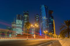 Doha på den blåa timmen, Qatar Arkivbilder