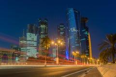 Doha przy błękitną godziną, Katar Obrazy Stock
