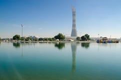 DOHA, QATAR - 26 DE JULIO: La torre de la aspiración en complejo de la ciudad de los deportes de Doha 26 de julio de 2015 en Doha Foto de archivo libre de regalías