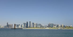 Doha-Skylinepanorama Stockbild
