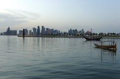Doha-Sonnenuntergangskyline stockbild