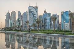Doha, vue de lumière du jour d'horizon du Qatar Images stock