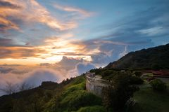Точка зрения на Doi Intanon или горе Intanon, Чиангмае, Thail стоковая фотография