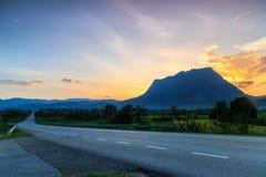 Doi Luang Chiang Dao, la terza più alta montagna in Tailandia Immagine Stock