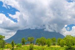 Doi Luang Chiang Dao patrzeje od Doi Mae Ta mężczyzna, Chiang Mai, Tajlandia Obraz Stock