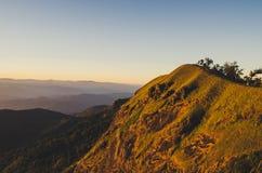 Doi lunedì Jong ha un bello paesaggio riempito di catene montuose Immagini Stock Libere da Diritti