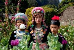 Doi Poi, Thailand: Drie Thaise Vrouwen in Traditionele Kleding stock fotografie