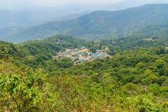 Doi Pui's Hmong etnisk kulle-stam by, flyg- sikt från Fotografering för Bildbyråer