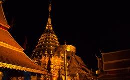 doi złotej h noc pagodowy suthep wat Fotografia Stock
