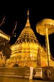 doi złotej noc pagodowy suthep wat Zdjęcia Royalty Free