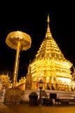 doi złotej noc pagodowy suthep wat Obraz Stock
