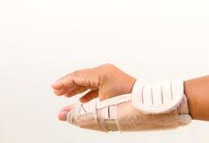 Doigt de main de blessure d'homme photos stock