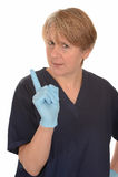 Doigt de ondulation d'infirmière sévère photographie stock libre de droits
