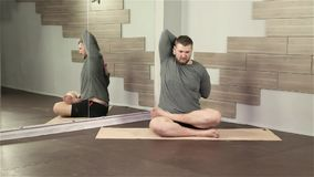 doing exercise man yoga young φιλμ μικρού μήκους