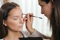 Free Doing The Eyebrows Stock Photo - 139011300