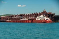 Dois abrigam navios fotografia de stock