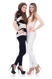 Dois amigos fêmeas isolados Fotografia de Stock Royalty Free
