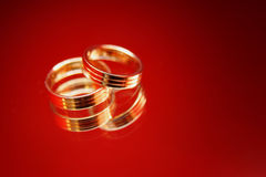Dois anéis dourados Fotografia de Stock