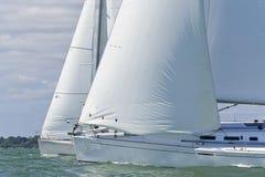 Dois barcos de navigação imagem de stock