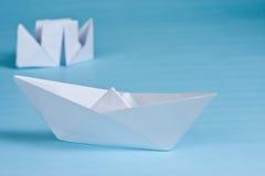Dois barcos de papel Imagens de Stock Royalty Free
