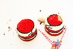 Dois bolos de aniversário para a quebra gêmea do bolo do bebê Fotos de Stock